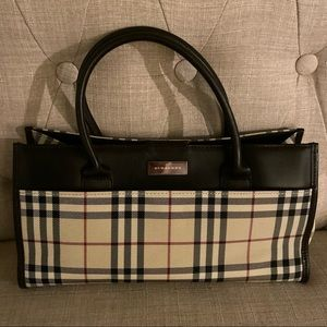 Burberry classic tote bag